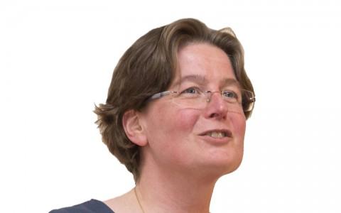 Mw.drs. Caroline (M.C.) Vos